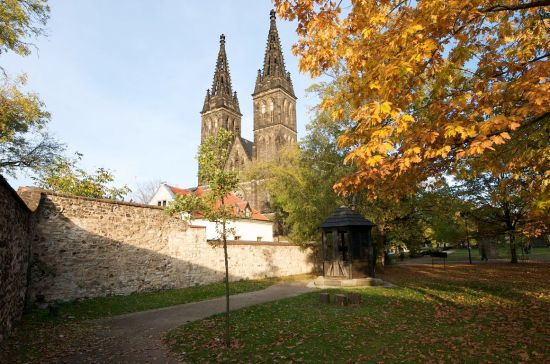 prague-vysehrad-church-resize~vysehrad-park-prague-gardens-and-parks